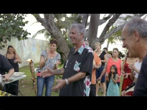 Anthony Bourdain pigs out in Hawaii (Parts Unknown) - YouTube
