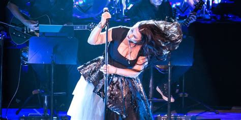 Live Review: Evanescence Bring Orchestral Music to Life at