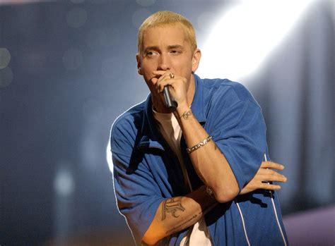 Eminem Biography, New Album, Tour, 8 Mile, Children, Ex